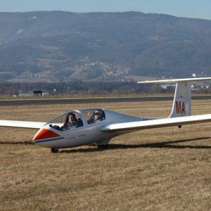 Akrobatski polet z jadralnim letalom